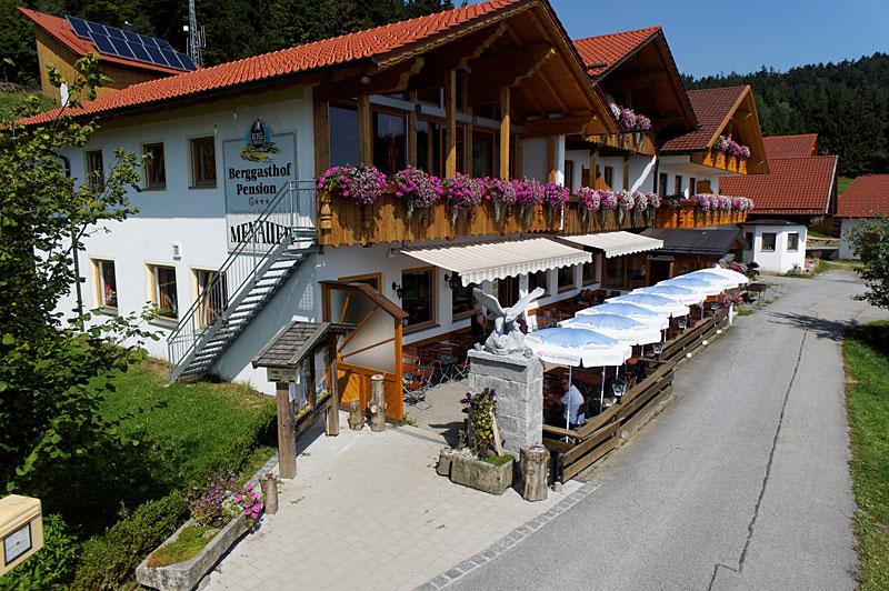 Hotel im bayerischen wald urlaub in straubing bogen for Designhotel bayerischer wald